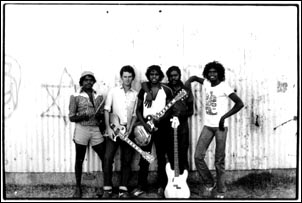 Neil Murray and Warumpi Band in 1981